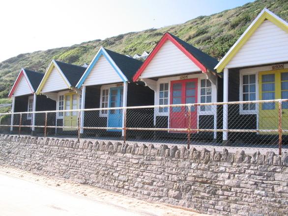 beach-huts-1-1540800